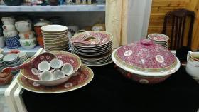 567瓷器,文革万寿无疆55头餐具一套!底款多为08!其余碗为散配!