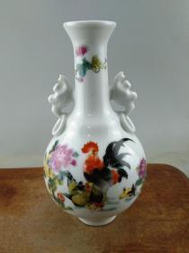 粉彩老瓷瓶B0733