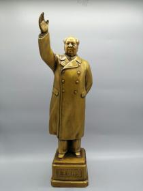 古玩铜器收藏,铜毛主席招手像,是对毛泽东主席崇敬的表达方式,改革开放之后的雕像为旅游纪念物和缅怀物品