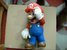 玩具——麦当劳大号玩具人一个:   (高度30多公分....9品)