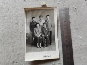 1968年北京东方红 全家福照片