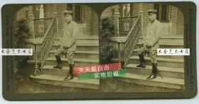 清末民国时期波凡克H.C.怀特立体照片公司--------1904年7月6日日本满洲军总司令大山岩摄于寓所中,一个半小时之后他奔赴中国前线指挥战斗.大山岩是中日甲午战争的日军第二军长,占领过山东威海卫