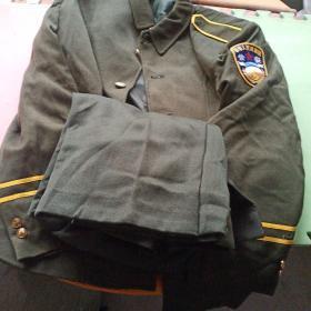 上世纪90年代,老公安警察女民警警服一套(2号)