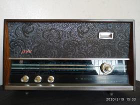 红灯牌711型电子管收音机