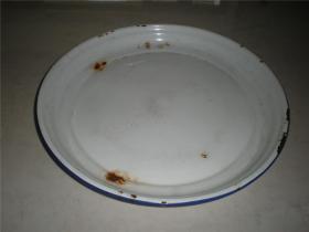 文革红色收藏:七十年代大众牌老白色搪瓷盘子
