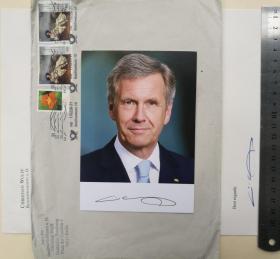 德国历史上最年轻的总统、国家元首(2010-2012)、下萨克森州前州长(2003-2010)、基督教民主联盟副主席(1998-2003)、下萨克森州基民盟主席(1994-2008)、同济大学名誉博士、律师、克里斯蒂安·武尔夫 ( Christian Wulff )、亲笔签名、官方照片1张(珍贵、罕见)