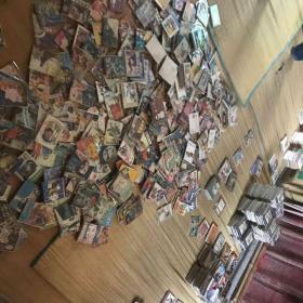 本家为连环画收藏老玩家,家中有连环画品相大多为9品以上,大约有3万本,各种书籍类型,缺本应有尽有,欢迎大家选购,也可全部打包售卖,售价面谈,无意者请勿打扰。