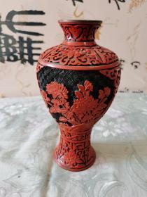 雕漆铜瓶  摆件