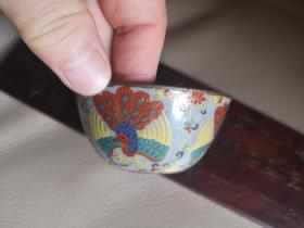大明成化年制景泰蓝薄胎孔雀花卉斗彩缸杯