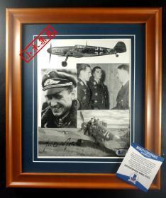 """""""纳粹德国空战传奇,西德空军总司令"""" 京特拉尔 将军大尺幅签名照片(已装裱带框) 由三大签名鉴定公司之一Beckett(BAS)提供鉴定"""