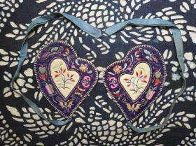民国时期民俗手工艺刺绣蝴蝶花卉纹饰耳套