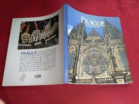 PRAGUE THE GONLDEM CITY 布拉格 城市画册 全英文