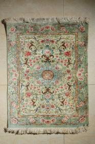 波斯产真丝缠枝花卉纹地毯