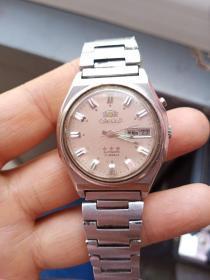 手表一块,包真包老,,品相如图,可以走,估计是不准的,收藏可以,佩戴估计不行,慎重下单 ,售出不退。