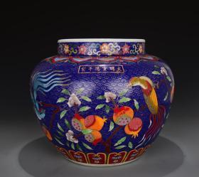 大明宣德年制瓷胎镶景泰蓝枇杷绶带鸟纹罐