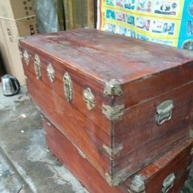 收藏  早时期 樟木箱子   老家具收藏