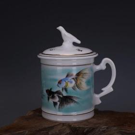 文革厂货粉彩金鱼纹和平鸽主人杯茶盅