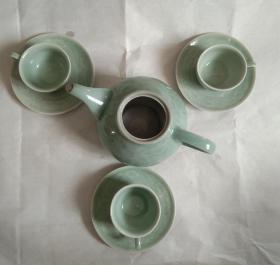 浩然斋集青瓷之一百零一:精美青瓷茶壶杯托一套