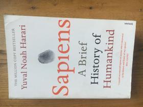 Sapiens: A Brief History of Humankind 《人类简史》(平装) 尤瓦尔·赫拉利(Yuval Noah Harari)—— 新锐历史学家【英文原版】