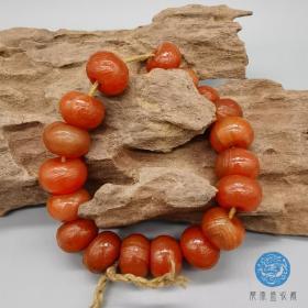 老玛瑙古珠俏色天然红玛瑙岁月磨痕包浆油润光泽沉稳收藏把玩缠丝