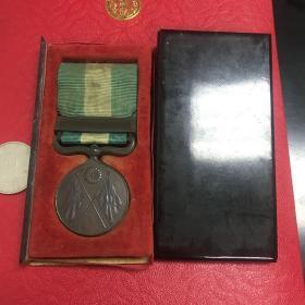 甲午战争从军记章,(明冶二十七八年),带原盒,包真包老。