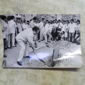 江泽民主席朱镕基总理合影黑白照片