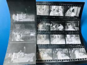 十世班禅班禅额尔德尼·确吉坚赞在拉卜楞寺时的老照片一组,少见珍贵,品相一般,早期新华社记者拍摄