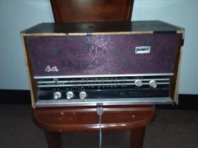 春风741--2型 木壳电子管收音机 (中波 短波 拾音三种功能)文革老货