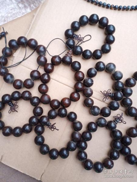 黑檀木珠子2.0,颜色不错,密度也好,数量不多,售完为止。