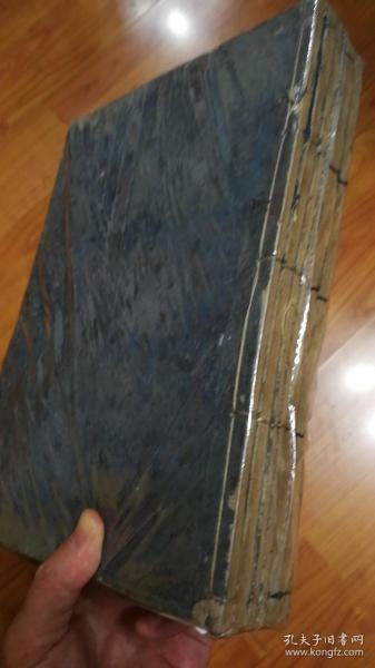 和刻本:小学集说(六册),为日本宽永二十年(1643)所刊,距今已近四百年。此书为明代程愈注解朱熹《小学》的书,在古代的韩国与日本非常流行,但在中国却失传了。实际上就此和本在日本所存也极为稀少,据日本古籍检索系统知道日本仅前田育德会与京都大学两家有藏,极为珍贵。