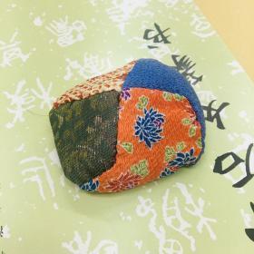 日本沙包,手工制品,直径大小约8cm 。