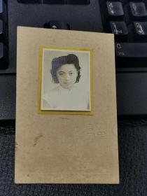 民国旗袍美女照片(有气质)