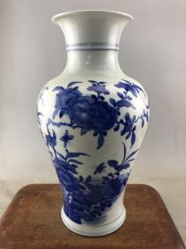 青花花鸟大瓷瓶B3666