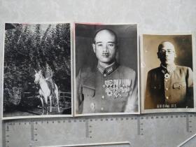 民国侵华日军军官较大幅照片3张,玉碎山崎部队长,是否是日本陆军中将山崎保代,是否是山崎大队是电视剧《亮剑》里的日军一个大队。队长山崎治平