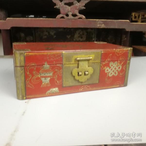 清末民国大漆描金八宝花卉首饰盒