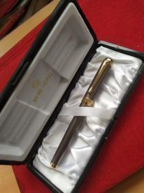 中国著名上海英雄牌钢笔 型号:英雄HER302款,未用,原盒
