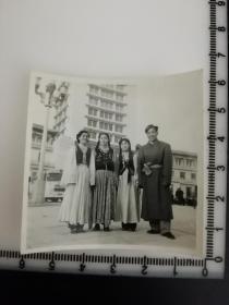 原国家民委专家张红、段星光旧藏老照片1张 少数民族合影