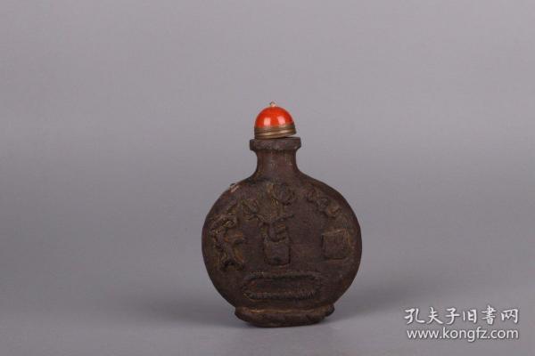 清代:铁制清供纹鼻烟壶