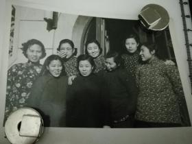 原国家民委专家张红、段星光旧藏老照片1张 品相尺寸如图 风华正茂的女大学生