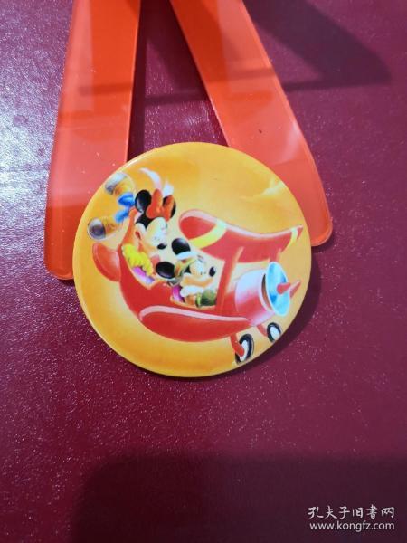 米老鼠情侣飞机:迪斯尼动漫徽章