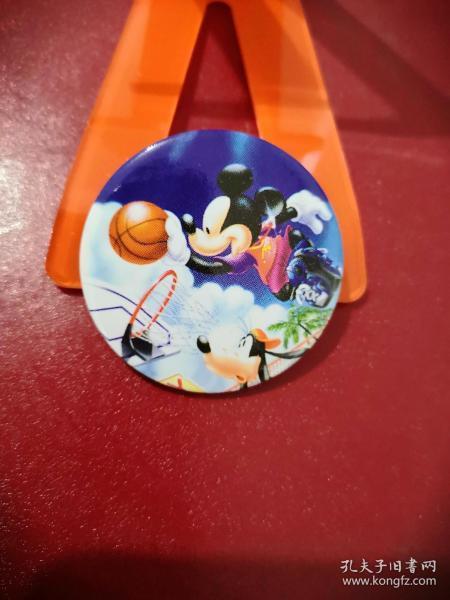 米老鼠、布鲁托狗篮球赛:迪斯尼动漫徽章