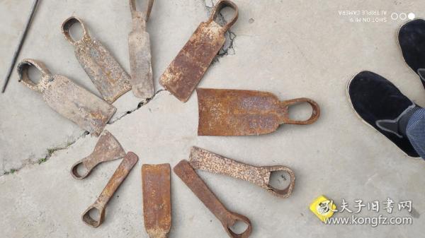 农具工具;铁质锄头一堆10个合售详情看图大小尺寸不一