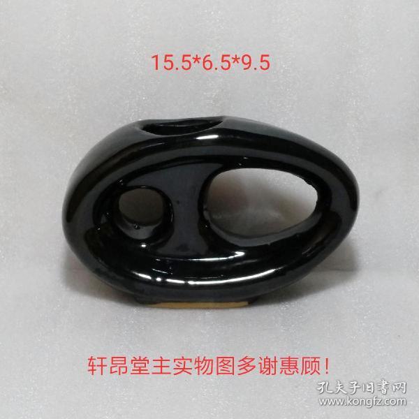 齿轮造型黑花瓶