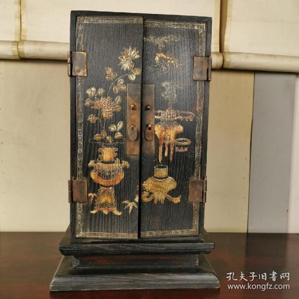 回流精美大漆描金木质佛龛