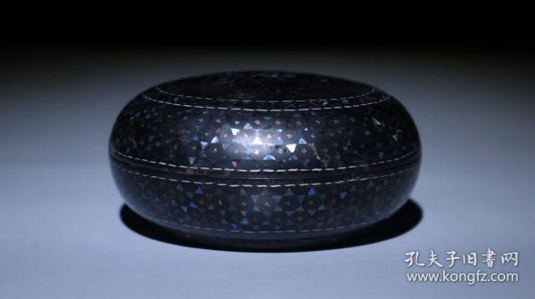 螺钿漆器首饰盒 直径9.5cm   厚4.5cm 重101克