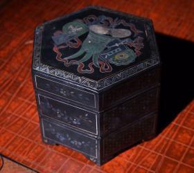 螺钿漆器三层盒 高10cm   宽11.5cm 重157克