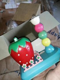 草莓台灯存钱罐,带合格证带原盒
