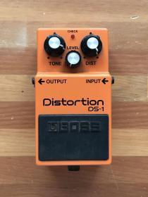 电吉他效果器:Boss DS-1经典失真效果器·原盒原装