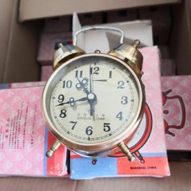 上海钻石牌双铃机械闹钟马蹄表