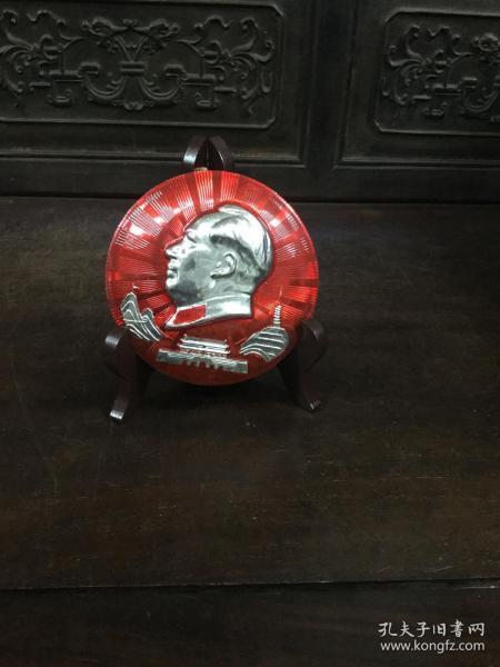 文革时期毛主席像章一枚